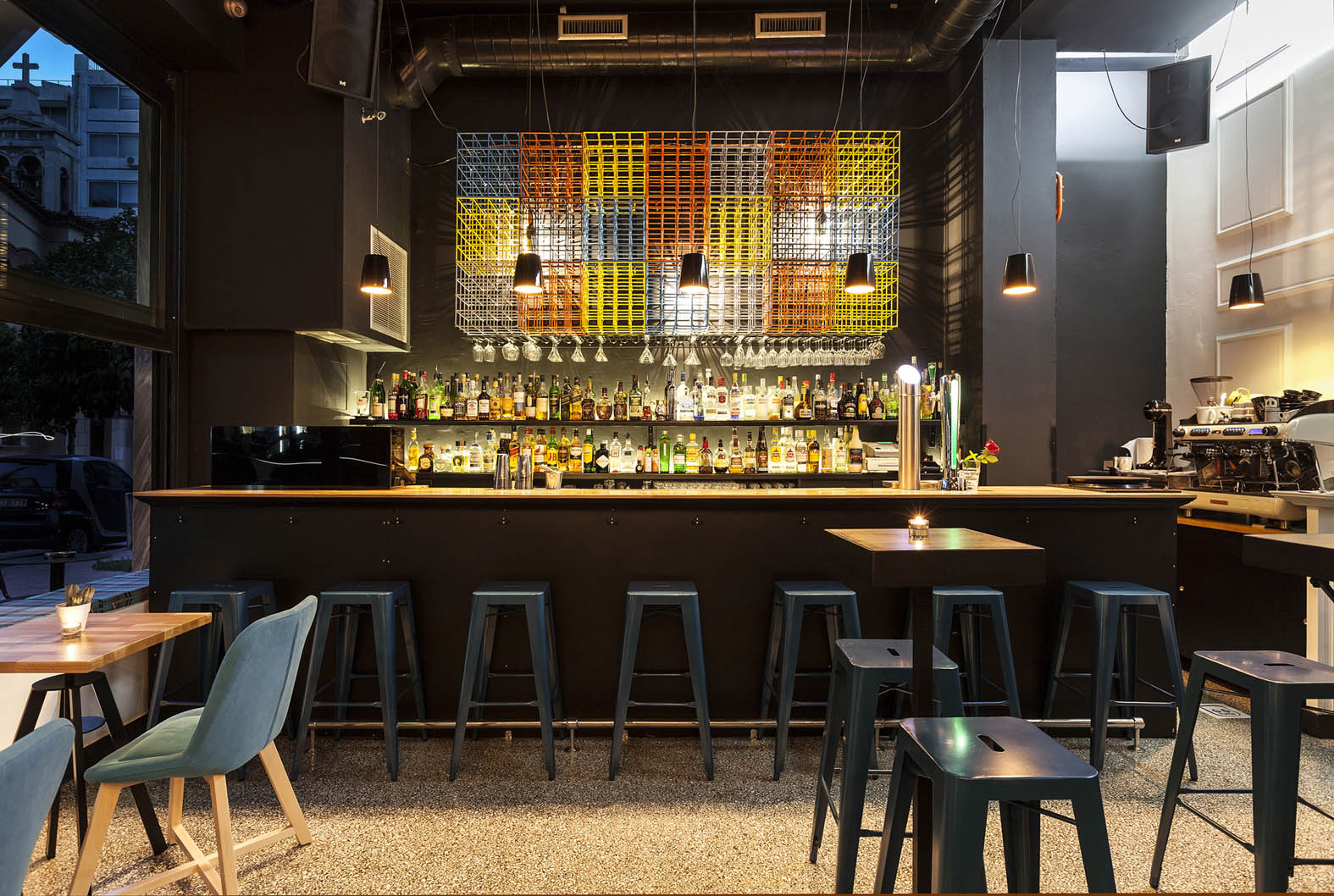A2 Architects Bar Priza