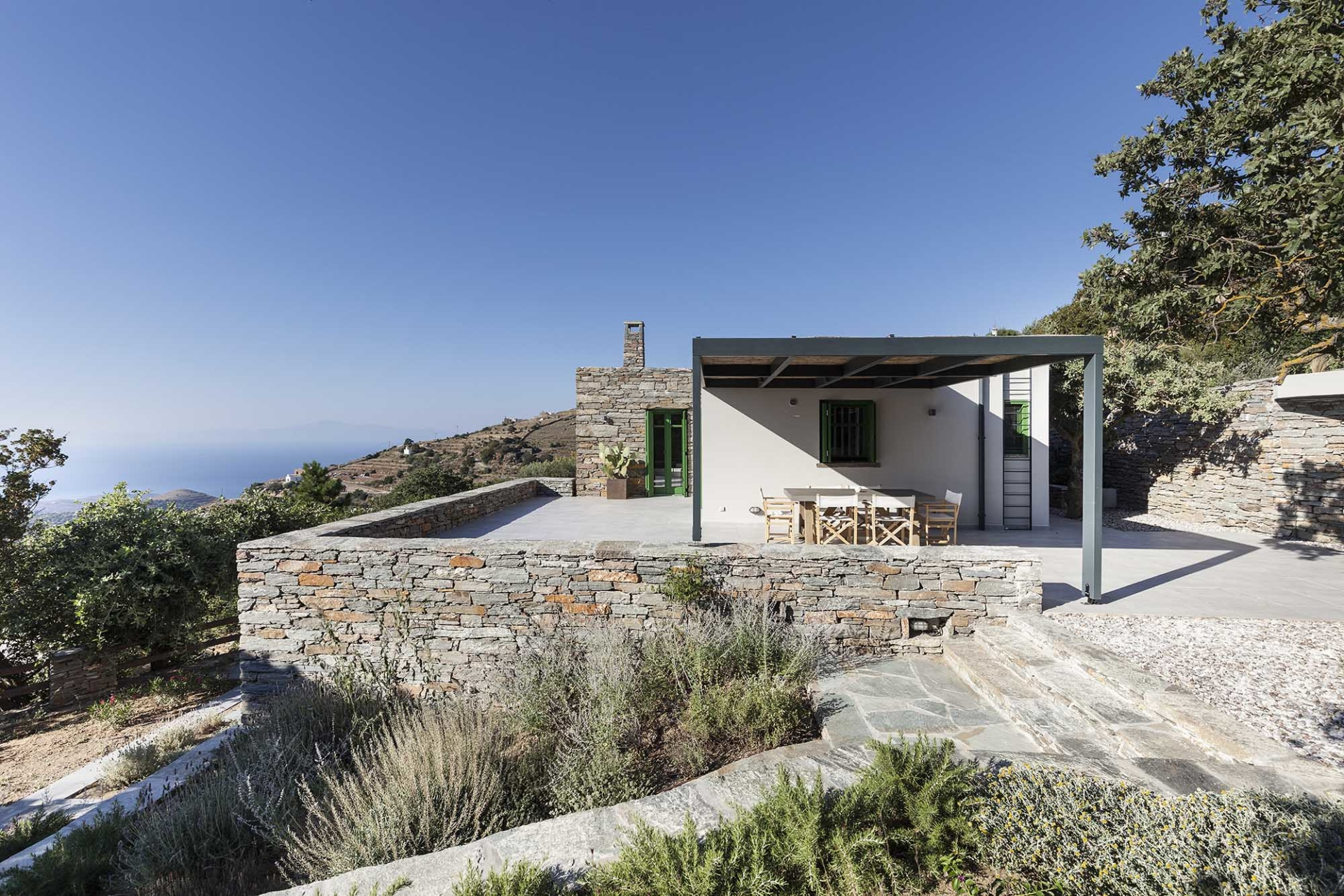 A2 Architects Vacation house at Tzia